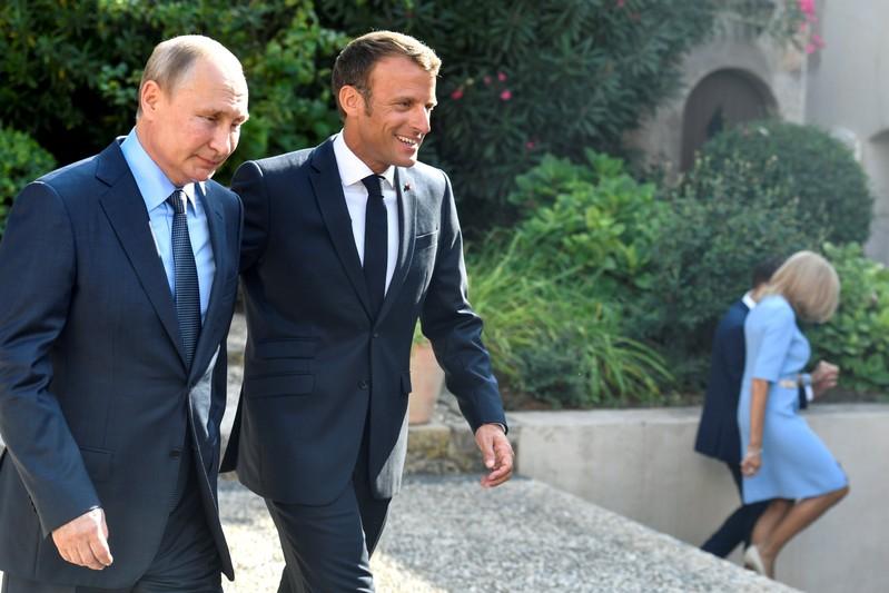 Macron prône le dialogue avec la Russie sur la maîtrise des armements