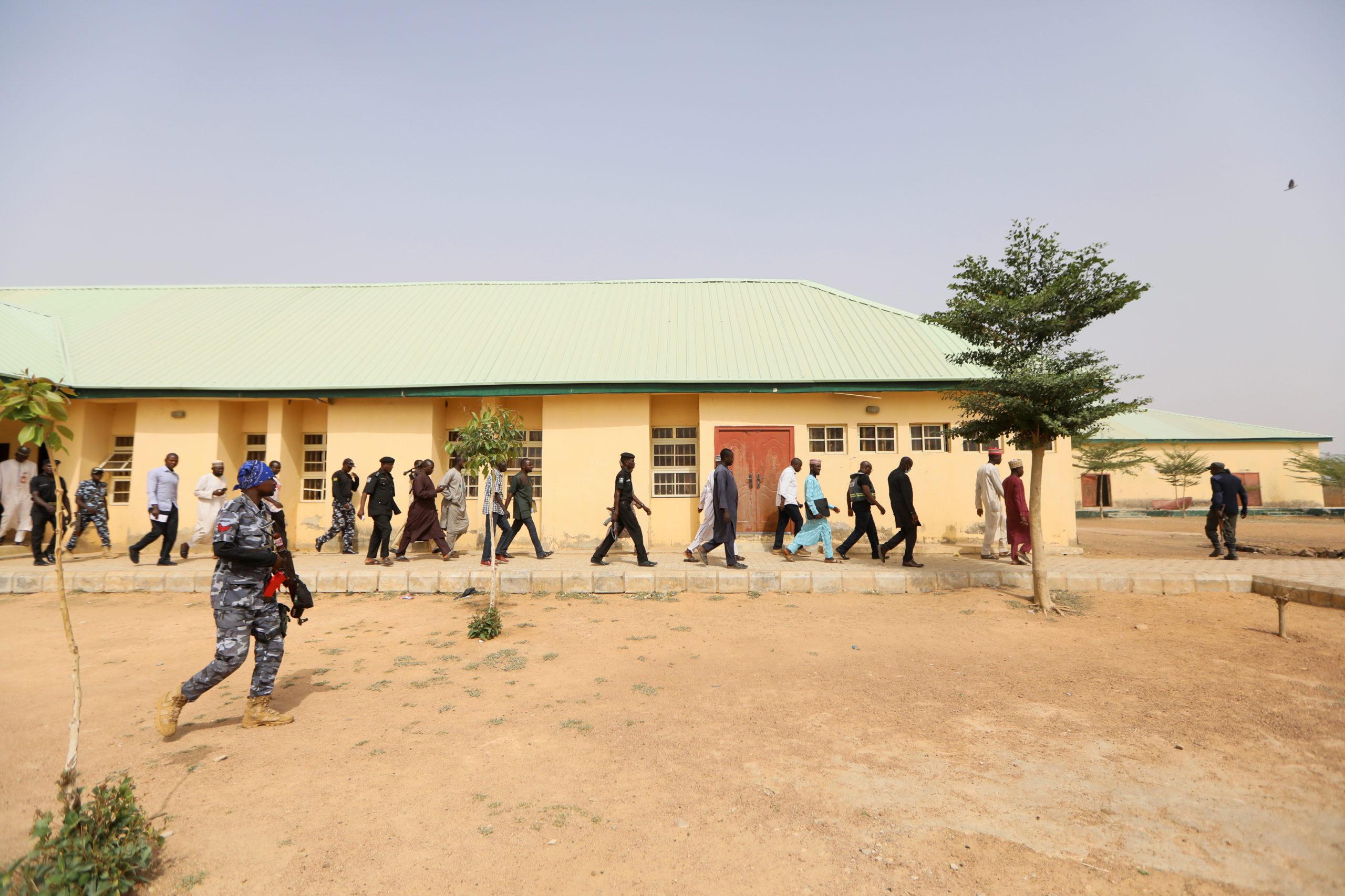 Nigeria: 27 adolescents libérés, plus de 300 jeunes filles toujours recherchées