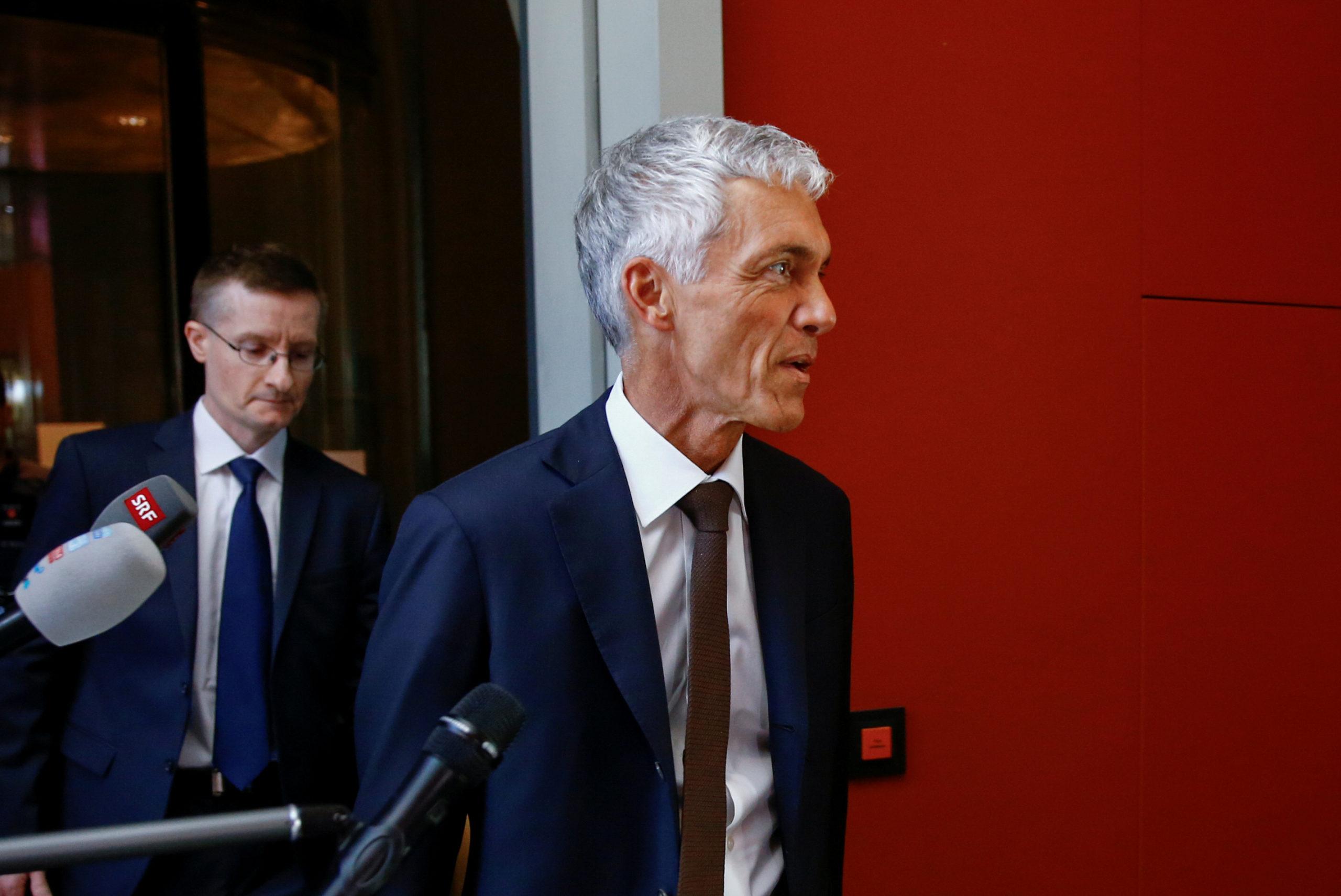 Suisse: Mis en cause dans le dossier Fifa, le procureur général démissionne