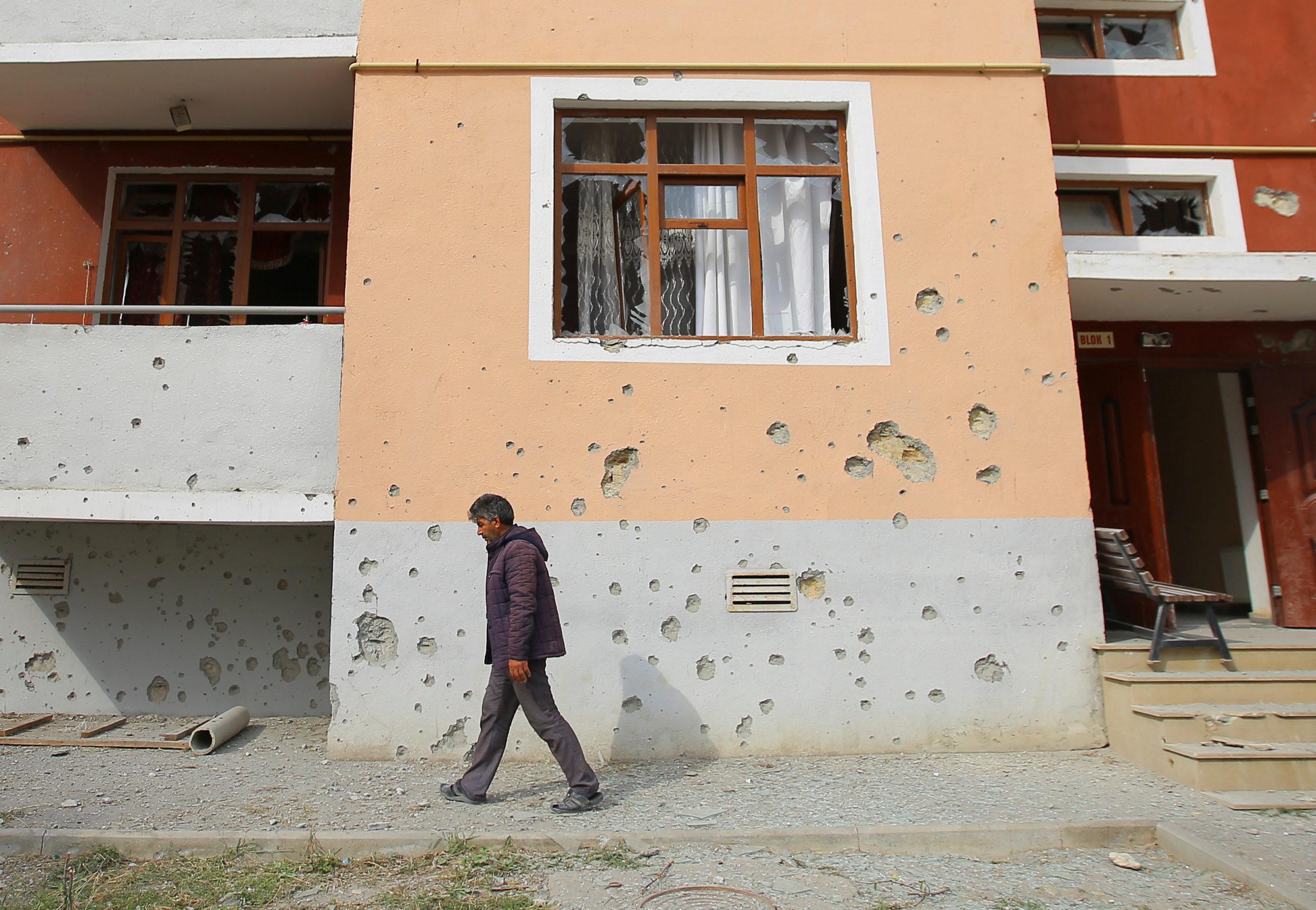 Les combats continuent au Haut-Karabakh, tensions diplomatiques croissantes