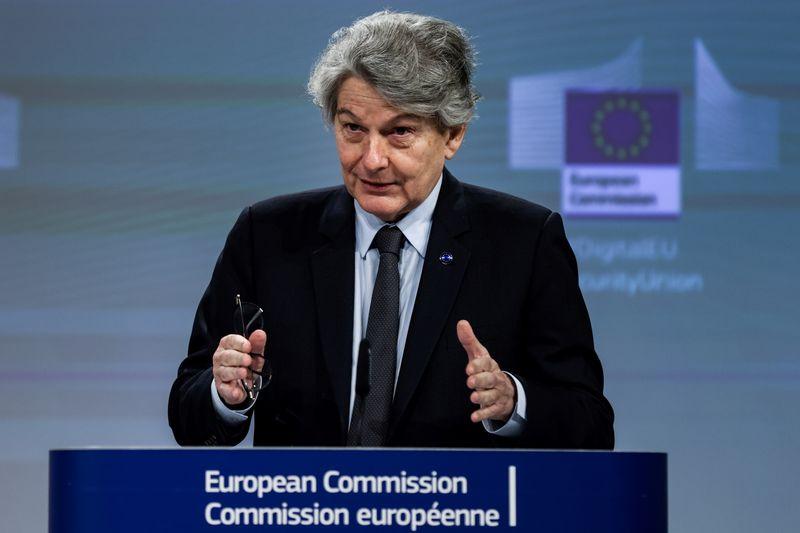 Thierry Breton chargé d'améliorer la production de vaccins dans l'UE