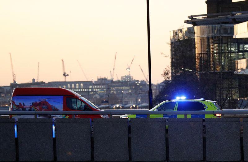 """Un acte """"terroriste"""" fait deux morts à Londres, le suspect tué"""