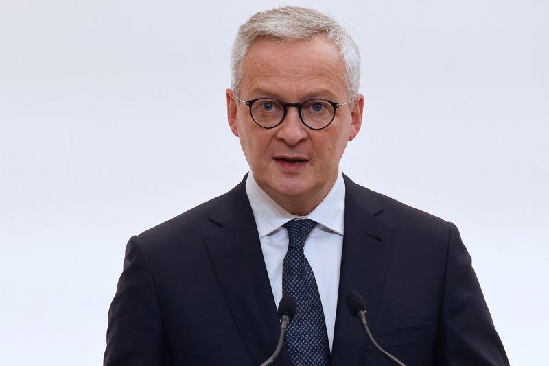 Une croissance de 6% en 2021 n'est pas hors d'atteinte, dit Le Maire à Reuters Next