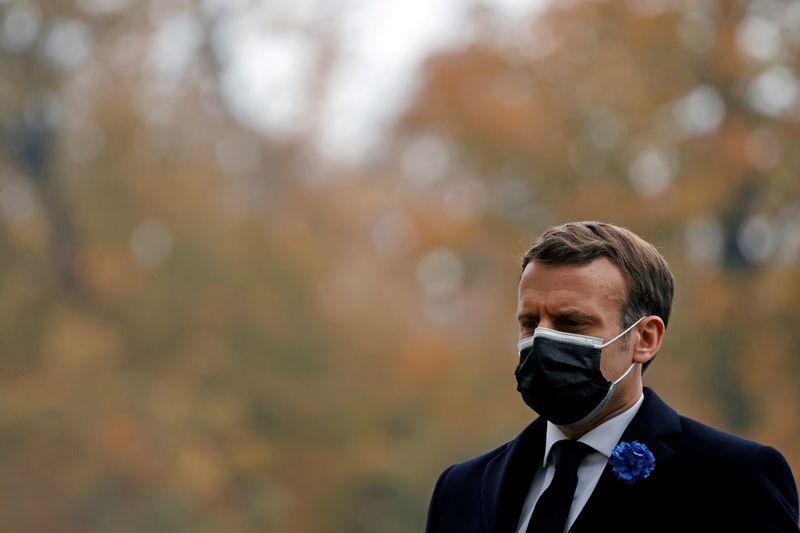 """Une ministre pakistanaise supprime un tweet sur Macron jugé """"injurieux"""" par la France"""