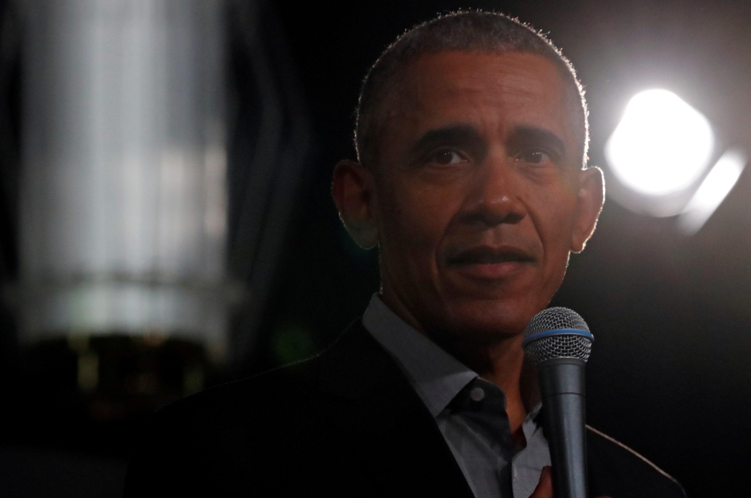 """USA 2020: Obama voit en Biden """"un frère"""", en Trump des échecs"""