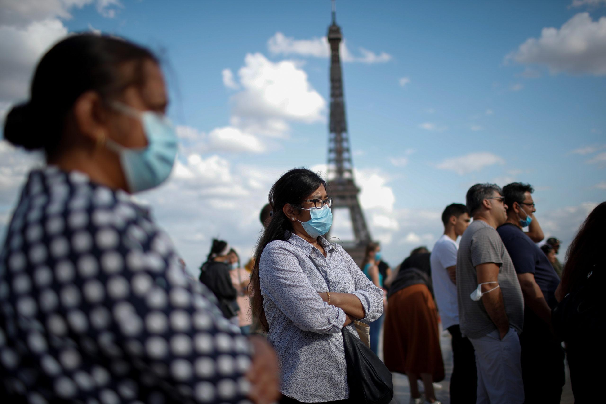 Vers des mesures spécifiques de lutte contre le coronavirus à Paris, rapporte la presse